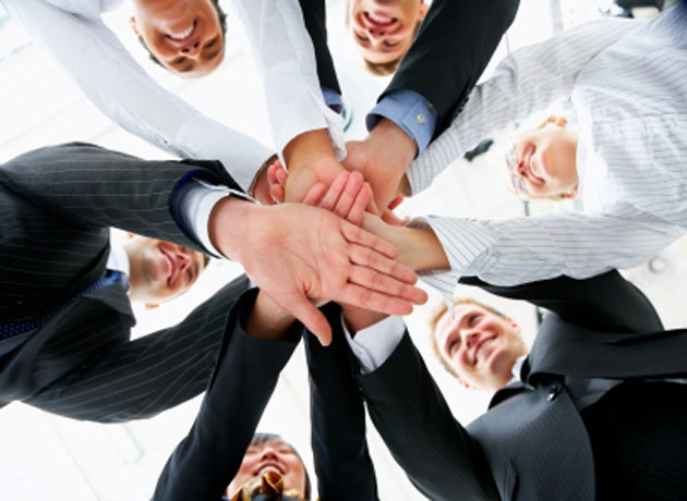 """Empresas sin jefes comienzan a ser realidad: cómo funcionan las que se animan a trabajar """"en círculos"""""""